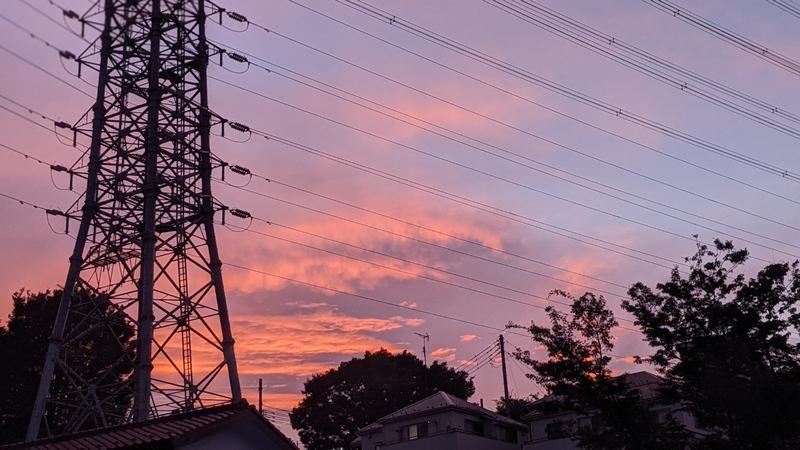 夕方の空に逆光を追加したレタッチ