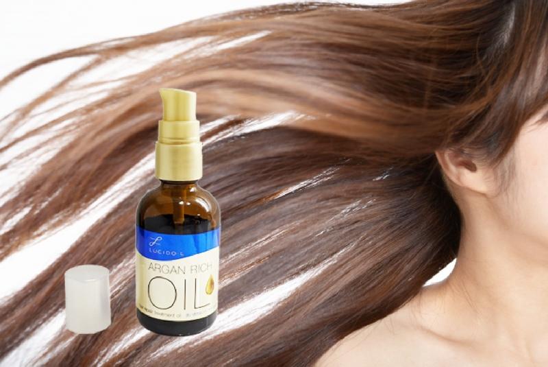 女性の髪の毛の必要なところだけを明るくする方法